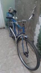 Bicicleta antiga customizada