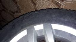 Vendo Roda 15 de liga com pneu zero