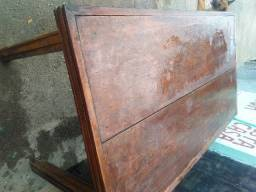Mesa massaranduba