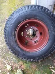 Barbada vendo pneu de caminhao