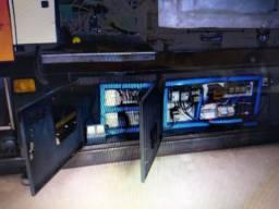 Injetora de plástico Sinitron 130 T