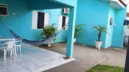 Alugo casa no centro de Paranavai - PR. Perto Praça dos Pioneiros