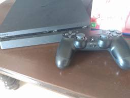 Playstation 4 pouco uso