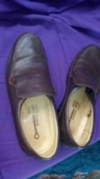 Sapato seminovo tamanho 40/41