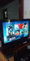 Uma tv LCD de 32 polegada