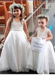 Vestidos de daminhas lindos ( 650,00 os dois)