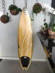 Prancha 5'11 HotButtered aguenta 60kg