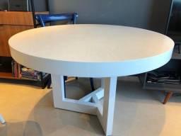 Mesa de jantar em lâmina de madeira