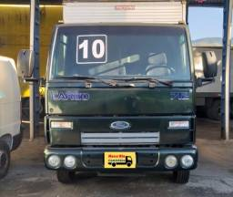 Ford Cargo 712 Baú
