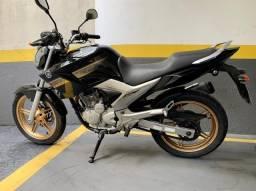 Fazer Yamaha 250 relíquia baixa km