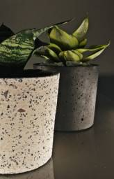 Vaso de concreto decorativo
