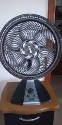 Vendo ventilador mto novo.