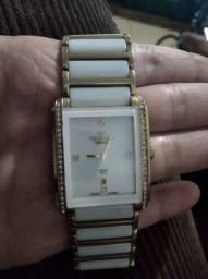 Relógio femenino banhado a ouro semi novo