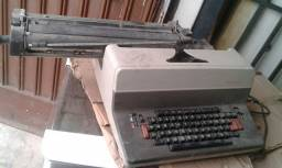 Maquina eletrica de escrever (Leia o anuncio)