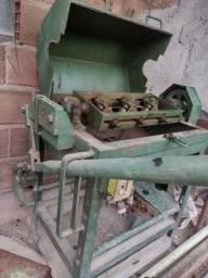 Máquina de desempenar Ferro