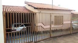 Casa à venda com 3 dormitórios em Centro, Nepomuceno cod:904