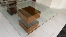 Mesa quadrada de Jantar