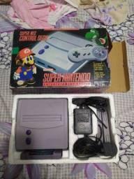 Super Nintendo completo na caixa