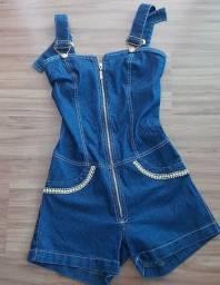 Jardineira/macacão jeans com aplicações de predras,  tamanho 38