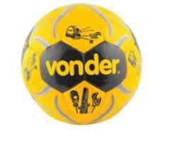 Bola de futebol oficial Vonder.