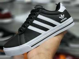 Vendo sapatênis Adidas e Tommy hilfiger ( 120 com entrega)