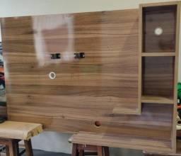 Painel TV em madeira maciça e capa em MDF laqueado
