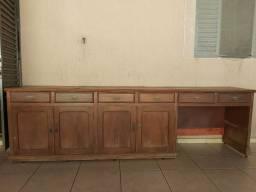 Armário usado com 6 gavetas e 4 portas