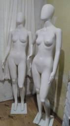 2 manequins cabeça de ovo feminino ,braços e cabeças saem excelente estado
