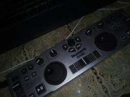 Controladora de DJ numark dj2go