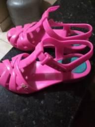 Sandália da Barbie número 25