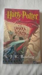 """Livro """"Harry Potter e a Câmara Secreta"""""""