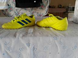 Vendo chutera da Adidas ORIGINAL do MESSI