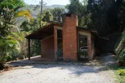 Casa 2 quartos e ampla área verde - Corrêas