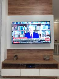 Painel de tv e armário lateral com cristaleira