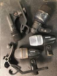 Kit com 2 microfones Shure e 2 de outras marcas, para bateria ou percussão