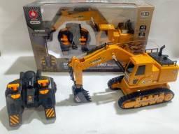 Trator Maquina Escavadeira Com 8 Comandos No Controle Remoto - Novo