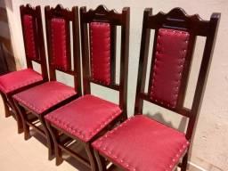 Mesa com 4 cadeiras de madeira maciça estofados novos 750 do pelo ZAP