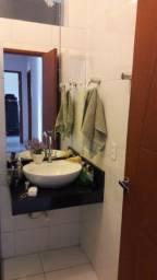 Vende-se uma casa 2 pavimentos; situada Bairro Residencial Porto Seguro