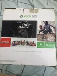 Xbox 360, destravado, completo com vários jogos