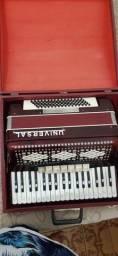 Sanfona acordeon universal 80 baixos semi nova