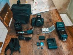 Canon T5 + Flash + Lente 18-55mm + Cartão Memoria
