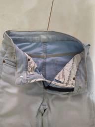 Calças masculinas Tam 38 semi novas - são 2 calças por 50,00.