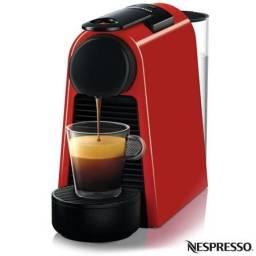 Máquina de Café Nespresso Essenza Mini D30