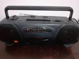 Rádio Portátil Precision- Toca Fitas