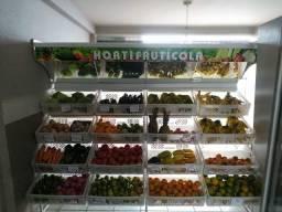 Oportunidade Expositor de verduras e frutas 16 caixas