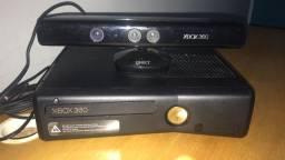 Xbox 360 muito bem conservado  Desbloqueado