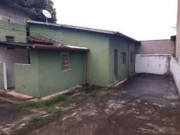 LR* Alugo casa de fundos no Pq. Paduan - Taubaté/SP