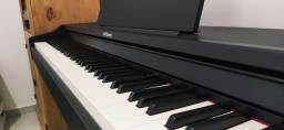 Piano Digital Roland RP102 com Bluetooth