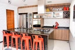 Casa com um estilo rústico colonial com 05 quartos, próximo a lagoa e centro de Iguaba