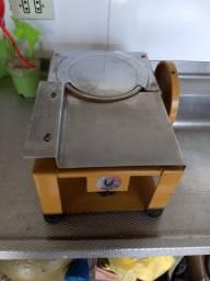 Máquina manual de frios antiga